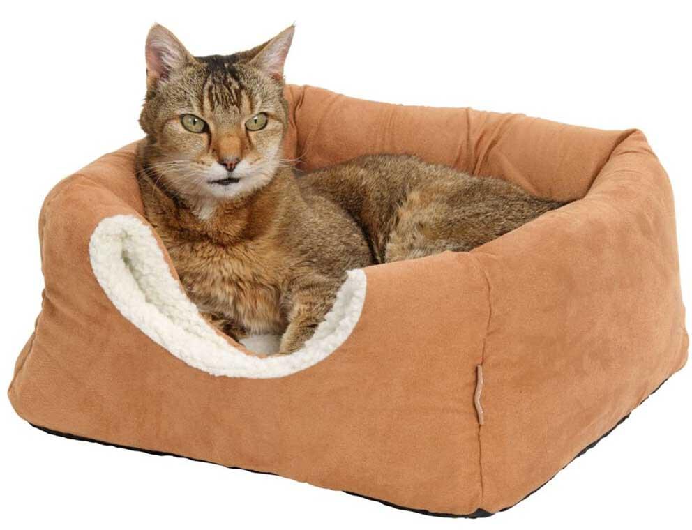 Как сделать лежанку для кошки своими руками, выкройка, на батарею, сшить из старого свитера, пошаговая инструкция